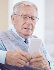 6 Helpful Apps for People With Alzheimer's